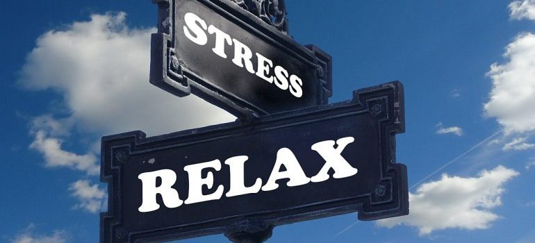 stress-relax sign