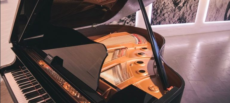 a piano -piano moving MD