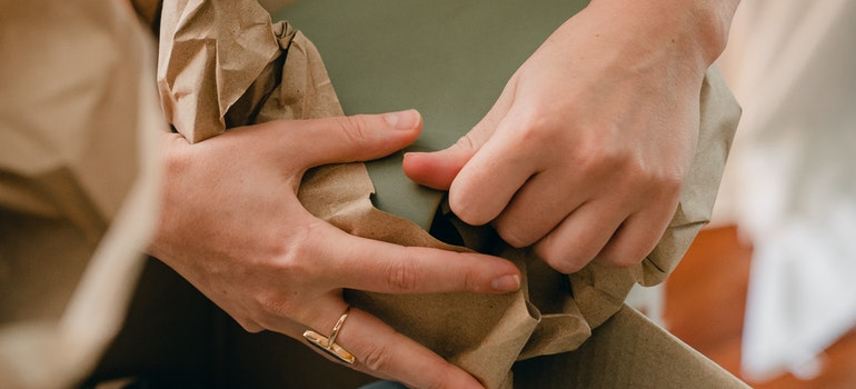 hands packing