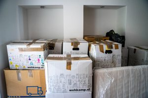 Overpacking as one of the problems that can go wrong when moving house